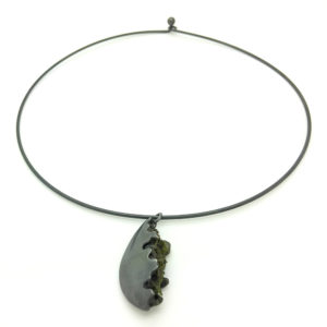 Moss Necklace On Choker